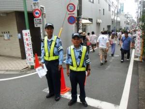 建設現場の交通誘導/警備スタッフ